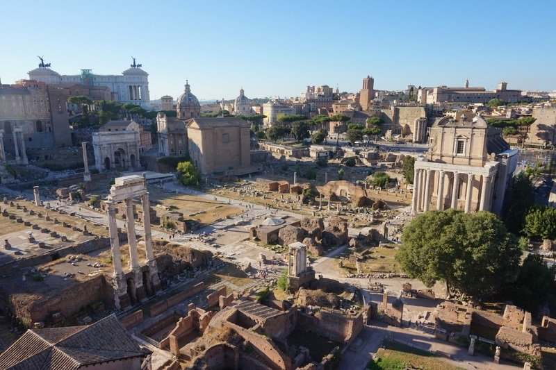 Guide to Visiting the Colosseum in Rome, Italy | www.andreapeacock.com