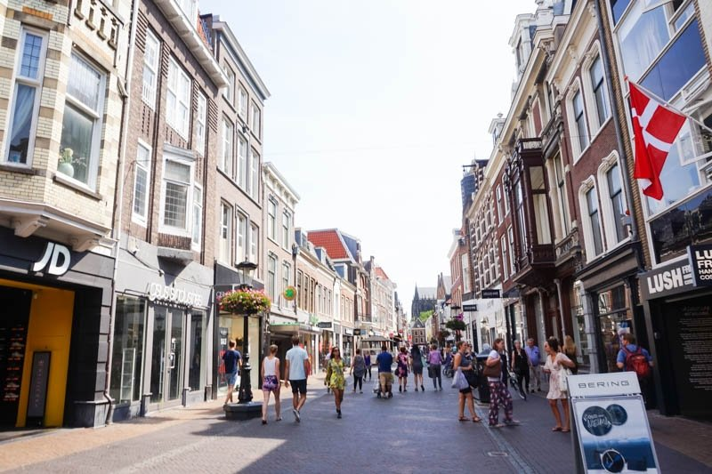 What to see and do in Utrecht, Netherlands. Utrecht is an easy day trip from Amsterdam and is well worth a visit! | Utrecht Travel Guide #thenetherlands #netherlandstravel #amsterdam #utrecht #europetravelguide