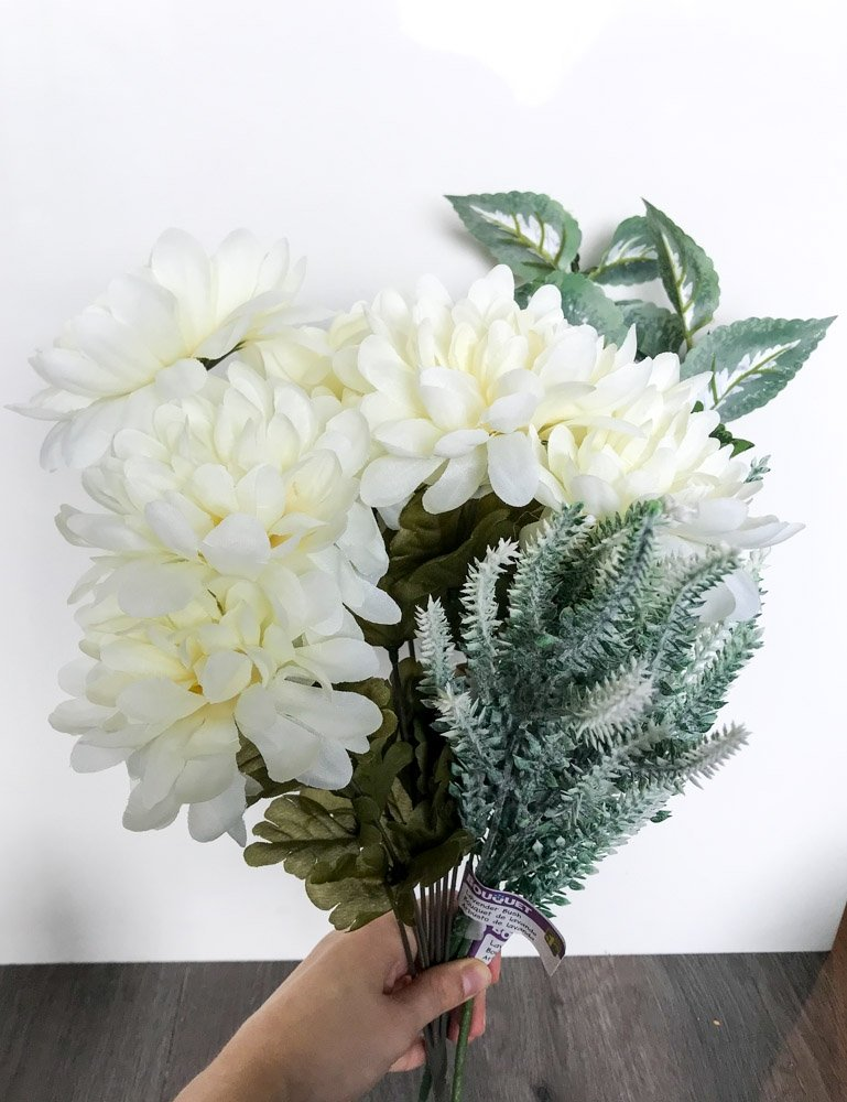faux white flowers